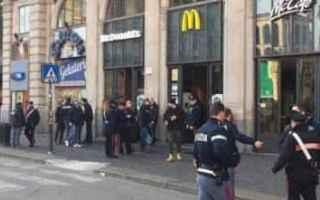 Milano: mc donalds  panico