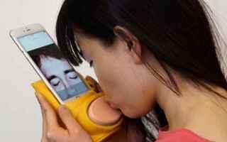 simulatore di baci  smartphone  baci