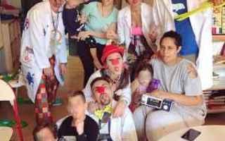Medicina: clown   ospedale  bambini  sorrisi