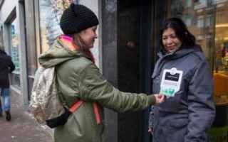 dal Mondo: clochard  contactless  help  charity
