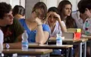 Scuola: scuola  maturità  giovani