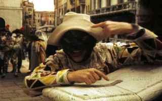 Teatro: maschere  arlecchino  carnevale