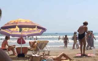 Ambiente: spiagge  rifiuti