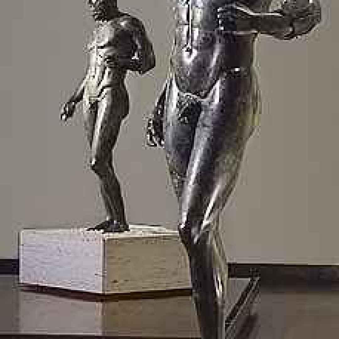 bronzi di riace  magna grecia  statue