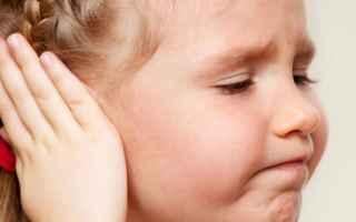 Medicina: mal di orecchio  otite  terapia