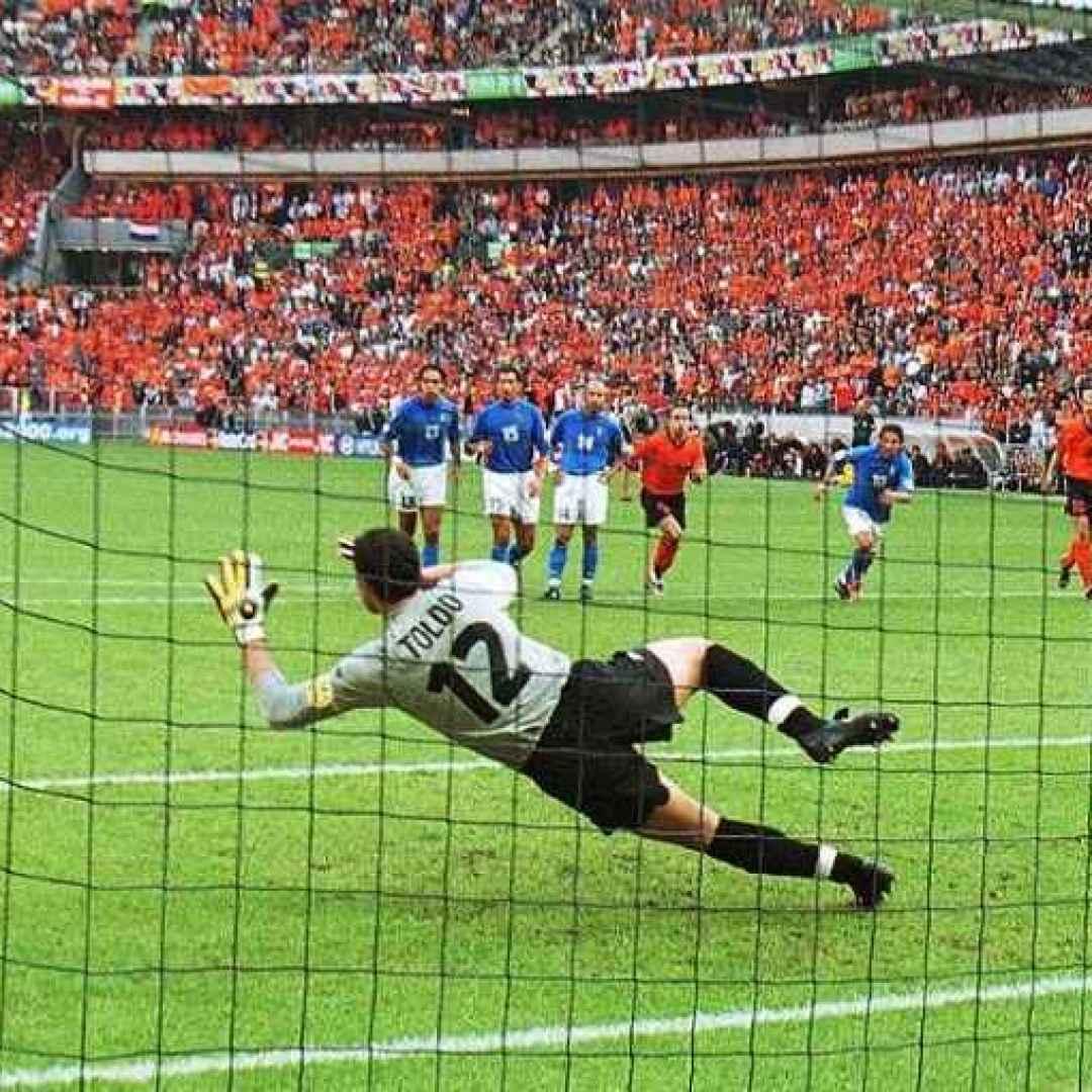 olanda  italia  toldo  rigori  euro2000