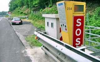 Automobili: autovelox  postazione  segnalazione