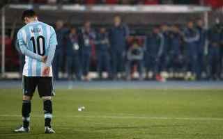 Messi non sarà mai Maradona. Accumunare due giocatori, due uomini così diversi tra loro, peraltro