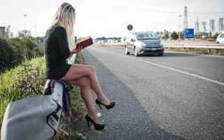prestituta  leggere libri