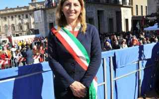 Palermo: lampedusa  migranti  premio  unesco  sindaco