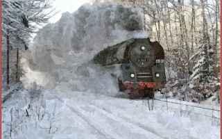 locomotiva a vapore  fascino  treno