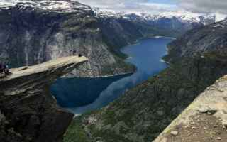 Viaggi: trolltunga hiking norvegia viaggi sport