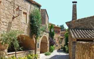 Viaggi: peratallada  spagna  catalogna  borgo  barcellona