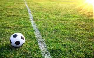 https://diggita.com/modules/auto_thumb/2017/07/20/1602791_6996262-un-pallone-da-calcio-o-il-calcio-nello-stadio-con-tramonto-2_thumb.jpg