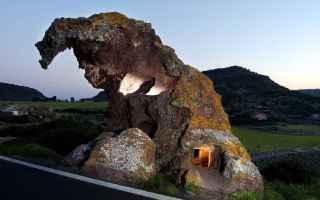 Viaggi: castelsardo  roccia  sassari  sardegna