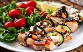 Ricette: spiedini di salmone  ricetta light  pepe