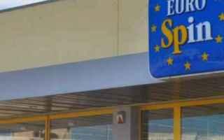 Soldi: ferro da stiro  eurospin  1 euro  regalo