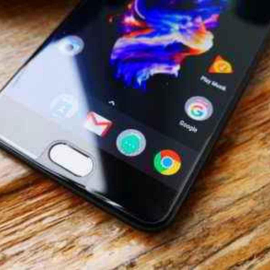 oneplus 5  iphone 7  smartphone