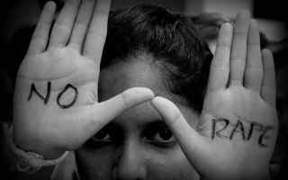 Satira: stupro  violenza sessuale  violenza  thc