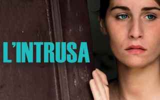 Cinema: l'intrusa cinema  camorra  recensione