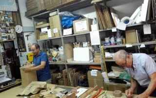 Viaggi: catania  artigiani  imballo  bottega