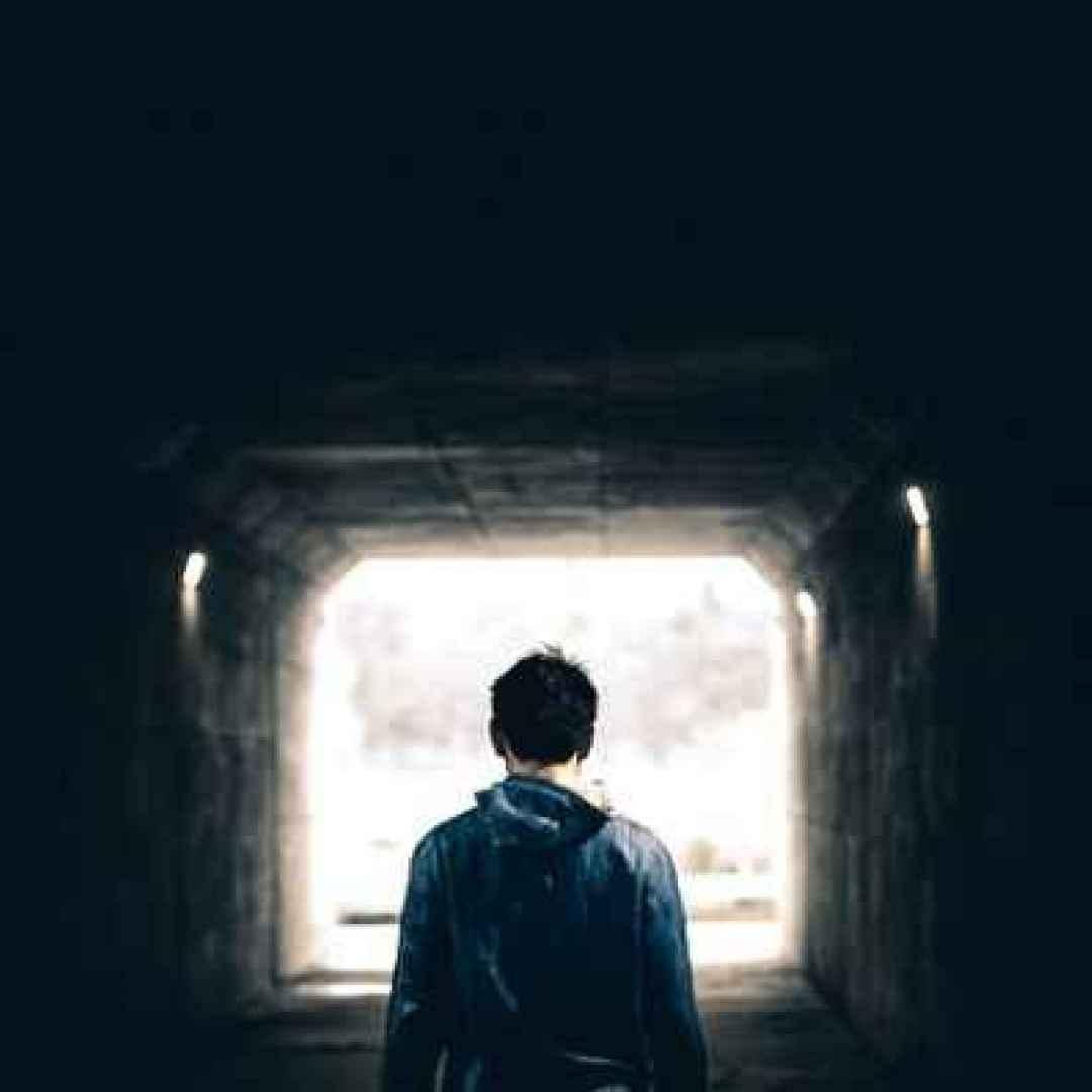 adolescenti  genitori  dialogo  suicidio