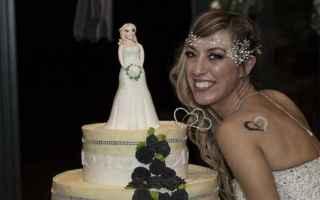 Amore e Coppia: sposa single  laura mesi