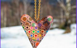 Moda: gioiello  matite  riciclo  curlejova