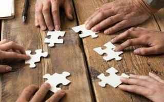 Soldi: risparmio  bilancio familiare  strategia
