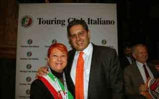 Viaggi: viaggi  borghi  touring club  arancioni