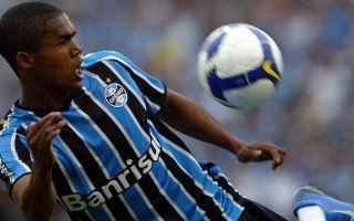 Calcio Estero: douglas costa  gremio