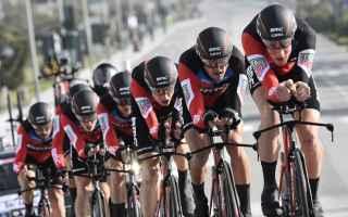 Per il terzo anno consecutivo la BMC vince la cronosquadre, con partenza e arrivo a Lido di Camaiore