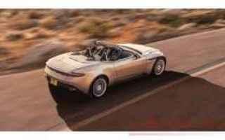 Automobili: db11 volante  aston martin