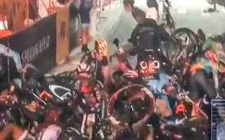 Ciclismo: ciclismo  sport  incidente  feriti  video