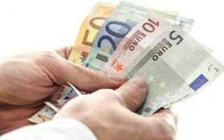 Soldi: reddito  cittadinza  caf  boom  m5s  reddito di cittadinanza