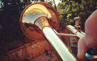 Musica: suonare  strumento  tromba