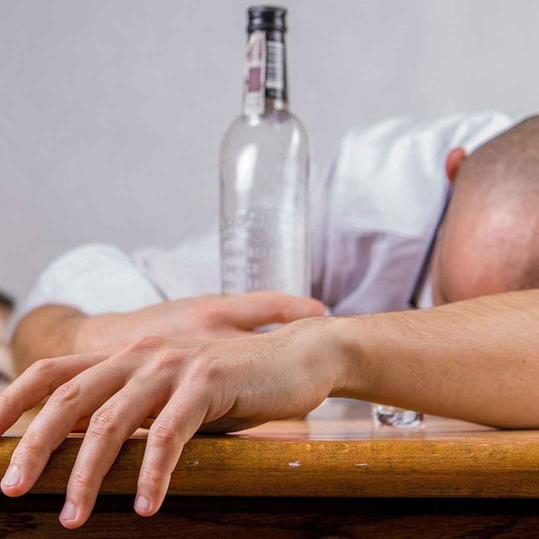 alcolismo  droga  dipendenze