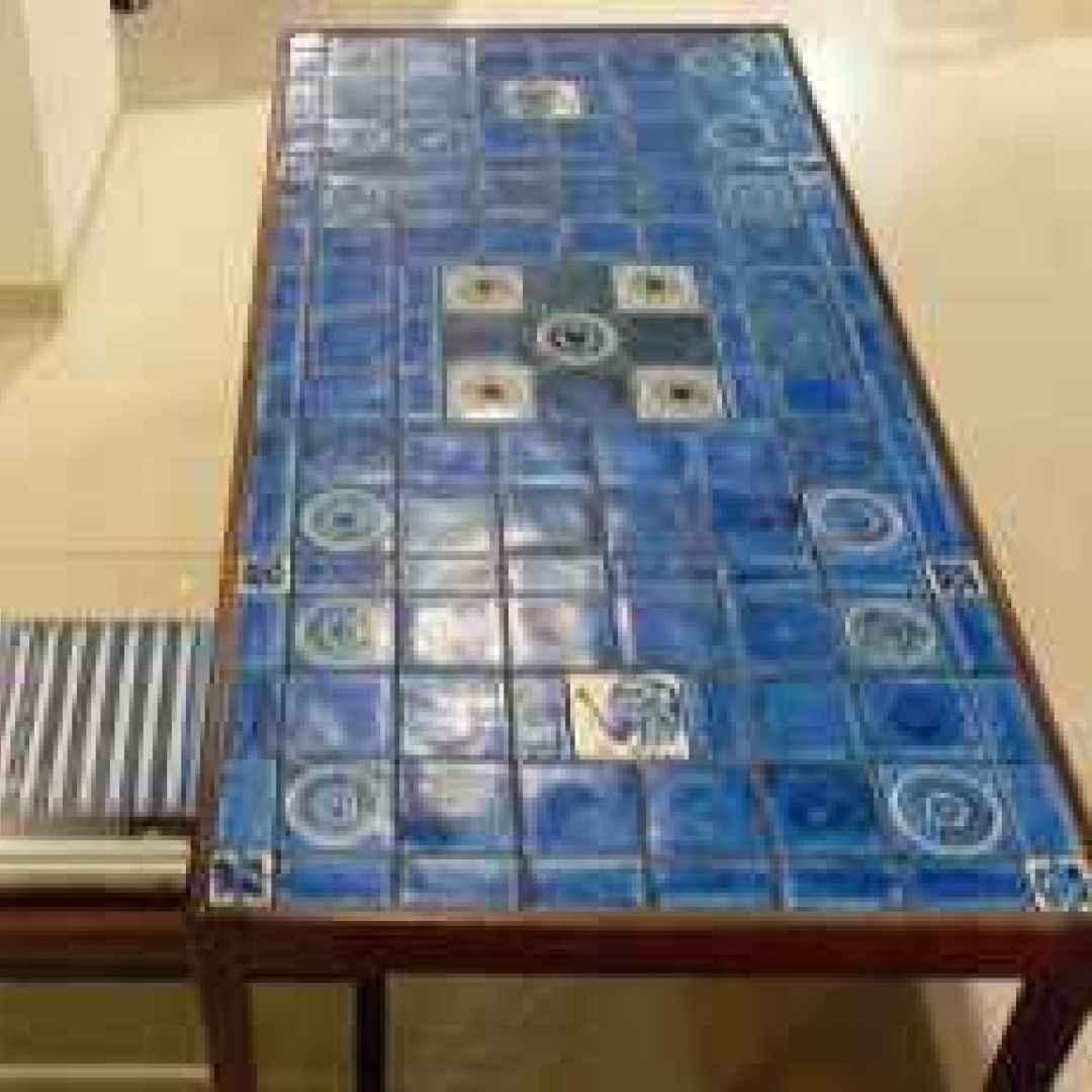 tavolino  recuperare  piastrelle