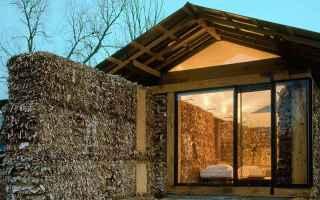 Ambiente: acqua  cartone  legno  riciclaggio terra