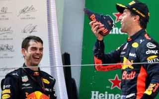 Formula 1: ricciardo  ferrari  redbull