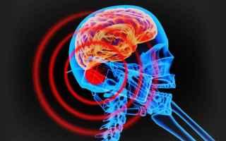 Cellulari: smartphone  tumore