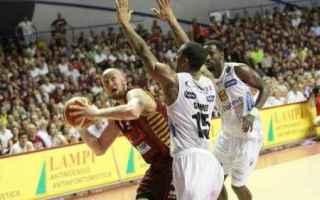 Basket: playoff  venezia  trento  gara1