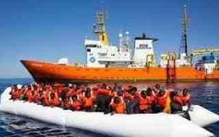 Matteo Salvini e IL Ministro delle Infrastrutture Danilo Toninelli decidono di chiudere i porti ital