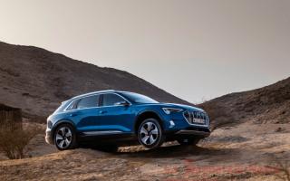 Automobili: audi  e-tron  integrale  elettrica