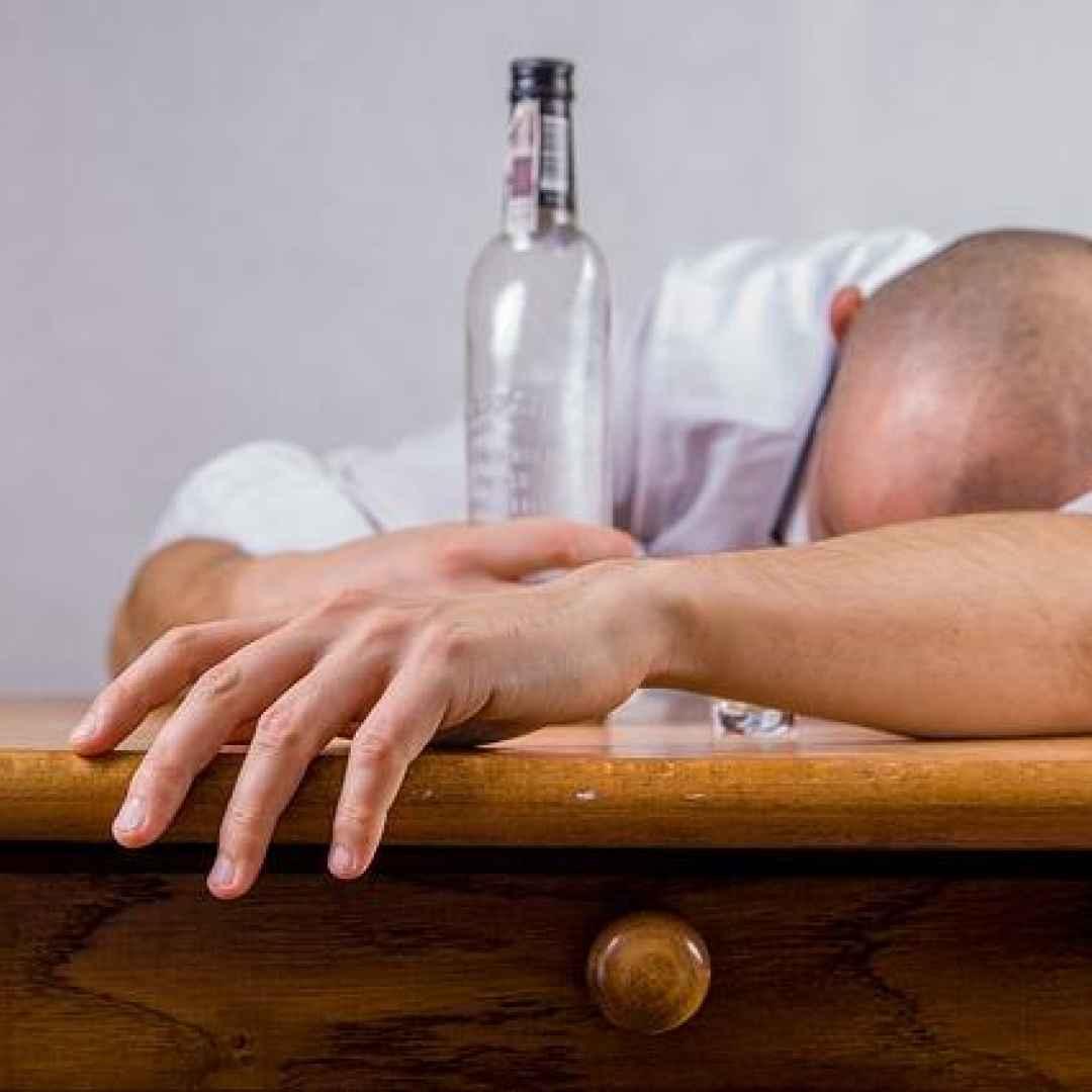 alcol  dipendenze  alcool  cannabinoidi