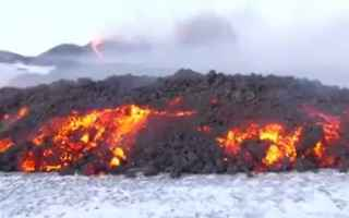Ambiente: video lava etna neve spettacolo
