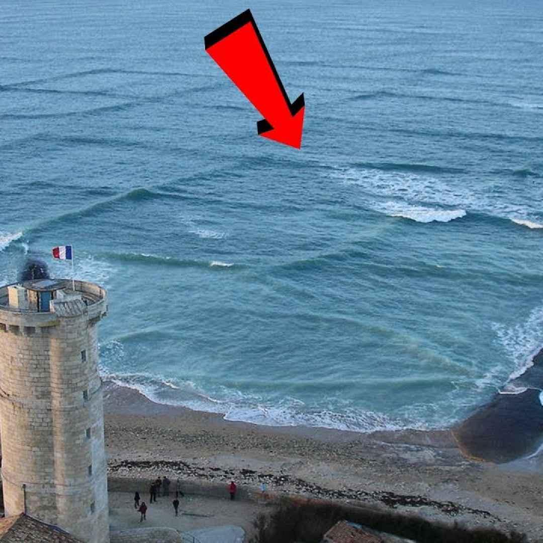 mare onde mistero pericolo video