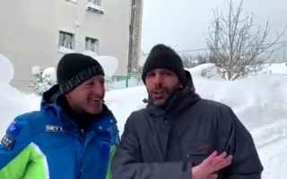 Video divertenti: checco zalone video neve ridere
