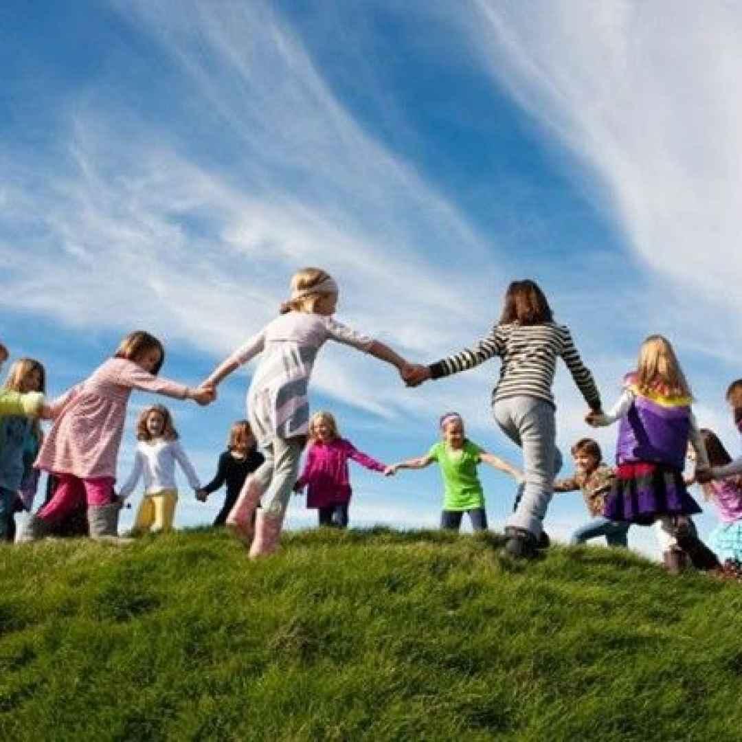 obesità  sedentarietà  bambini