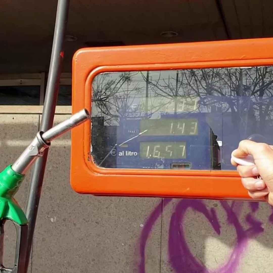 napoli video truffa aria carburante